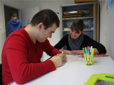 Xhoel et Elodie dessinent